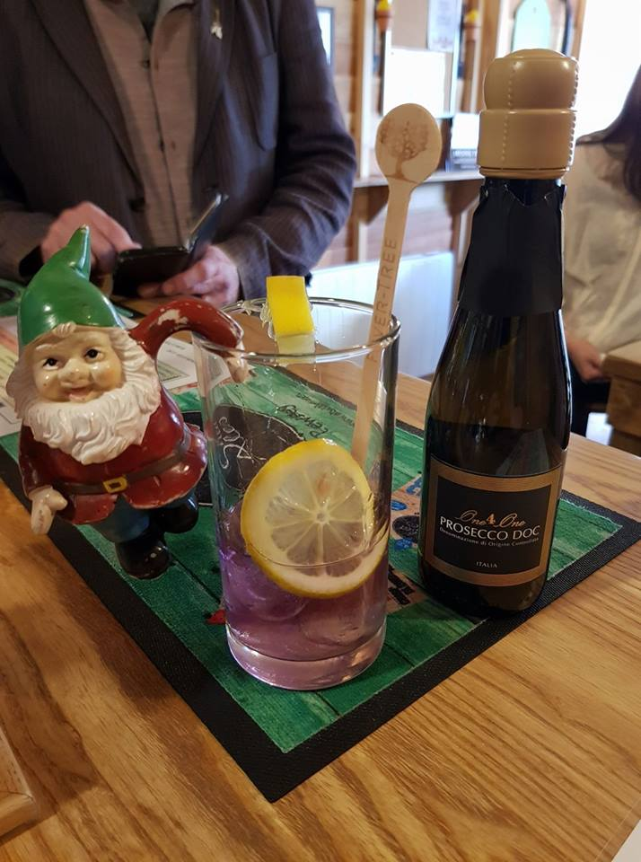 Gnomad tries a Violet Gin Cocktail!